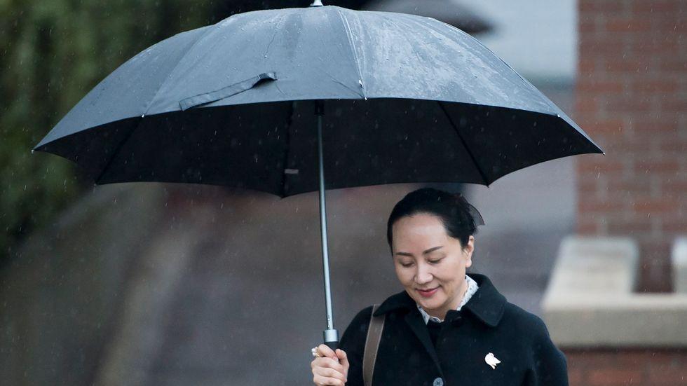 Meng Wanzhou har hållits kvar i British Columbia i västra Kanada sedan 2018. Hon är dock på fri fot, med fotboja. Här anländer hon till en rättsförhandling i Vancouver i januari.