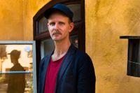 """David Wiberg har tidigare skrivit ungdomsböckerna """"Anteckningar från ett källarhål"""" och """"Vi ses i mörkret""""."""