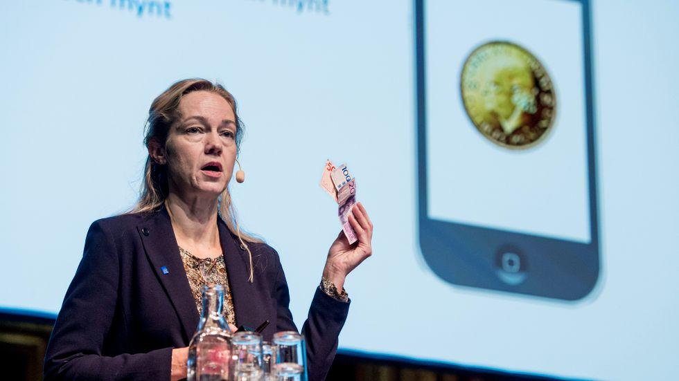 Första vice riksbankschef Cecilia Skingsley ser en möjlig svensk e-krona som ett komplement till befintliga och privata betalningsmedel. Arkivbild