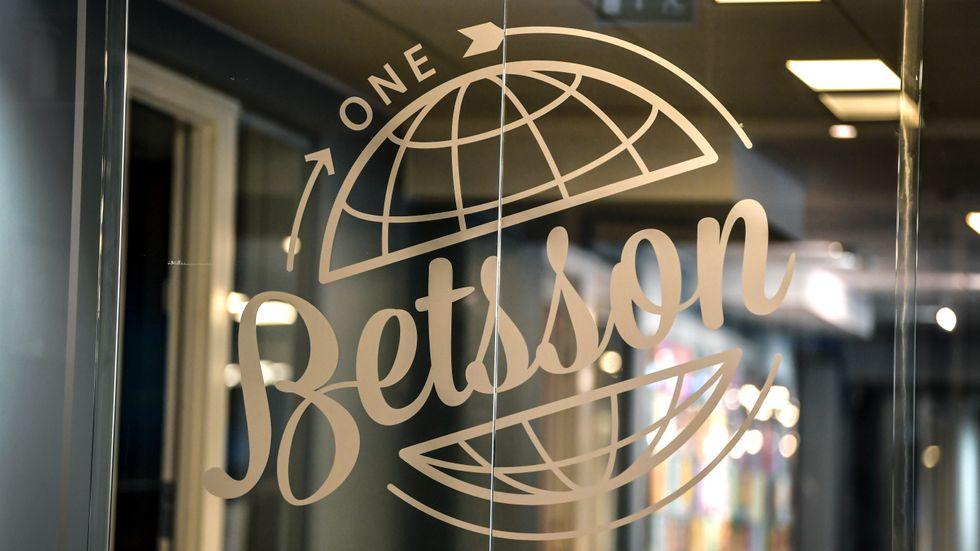 Spelbolaget Betssons logotype på kontoret i Stockholm. Arivbild